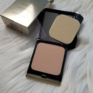Kevyn Aucoin Powder Foundation